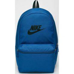 Nike Sportswear - Plecak. Niebieskie plecaki męskie Nike Sportswear, z poliesteru. Za 119,90 zł.