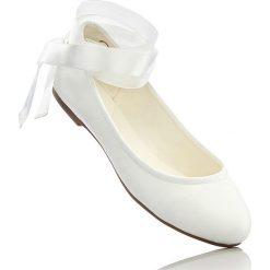 Baleriny bonprix biały. Białe baleriny damskie lakierowane bonprix, w paski. Za 32,99 zł.