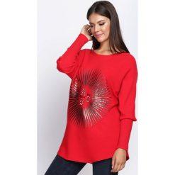Swetry klasyczne damskie: Czerwony Sweter Staying Alive