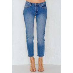 Cheap Monday Niebieskie jeansy Common Atomic - Blue. Niebieskie boyfriendy damskie Cheap Monday. W wyprzedaży za 91,98 zł.