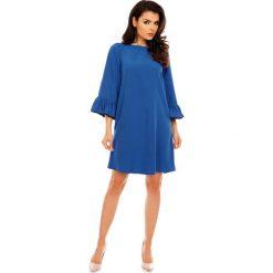 Kobaltowa Szykowna Trapezowa Sukienka z Falbankami przy Rękawach. Niebieskie sukienki balowe marki Molly.pl, do pracy, l, ze skóry, z dekoltem na plecach, oversize. W wyprzedaży za 125,46 zł.