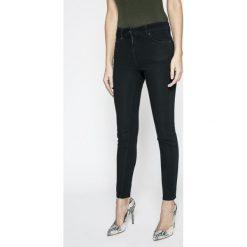 Marciano Guess - Spodnie. Szare rurki damskie MARCIANO GUESS, z bawełny, z podwyższonym stanem. Za 639,90 zł.