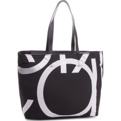 Torebka CALVIN KLEIN - Loud Shopper K60K604464 001. Czarne shopper bag damskie marki Calvin Klein, z materiału, bez dodatków. Za 549,00 zł.