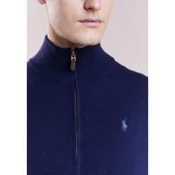 Polo Ralph Lauren LORYELLE  Kardigan hunter navy. Niebieskie kardigany męskie marki Polo Ralph Lauren, m, z materiału, polo. W wyprzedaży za 629,25 zł.
