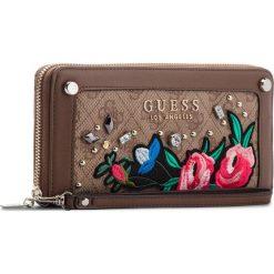 Duży Portfel Damski GUESS - SWSG69 92460 BRO. Brązowe portfele damskie marki Guess, z aplikacjami, ze skóry ekologicznej. Za 279,00 zł.