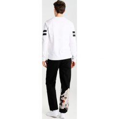 Spodnie męskie: Maharishi WHITE TIGER  Spodnie materiałowe black