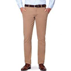 Spodnie Beżowe Chino Tommy. Brązowe chinosy męskie LANCERTO, w kolorowe wzory, z bawełny. Za 299,90 zł.