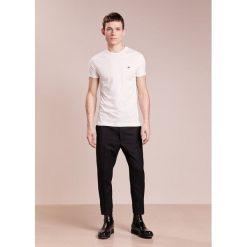 Vivienne Westwood PERU TEE  Tshirt basic off white. Białe koszulki polo Vivienne Westwood, m, z bawełny. W wyprzedaży za 356,30 zł.