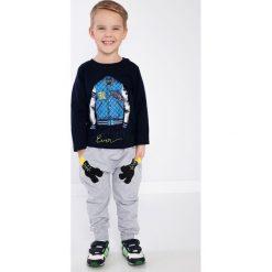 Chinosy chłopięce: Jasnoszare spodnie chłopięce NDZ8622