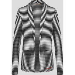 Marynarka w pasy. Białe apaszki damskie marki Orsay, z jeansu. W wyprzedaży za 70,00 zł.