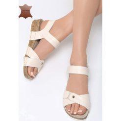 Beżowe Skórzane Sandały Behind The World. Brązowe sandały damskie marki NEWFEEL, z gumy. Za 99,99 zł.