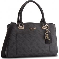 Torebka GUESS - HWSG71 74060 COA. Szare torebki klasyczne damskie Guess, z aplikacjami, ze skóry ekologicznej. Za 699,00 zł.
