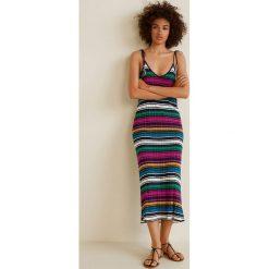 Mango - Sukienka Indianer. Szare sukienki dzianinowe marki Mango, na co dzień, l, casualowe, z dekoltem halter, na ramiączkach, midi, rozkloszowane. W wyprzedaży za 89,90 zł.