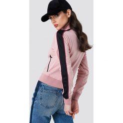 NA-KD Bluza sportowa z suwakiem - Pink. Różowe bluzy rozpinane damskie NA-KD, w paski, z poliesteru. Za 202,95 zł.