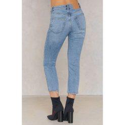 Spodnie z wysokim stanem: Cheap Monday Ozdobnie sprane niebieskie jeansy Revive - Blue