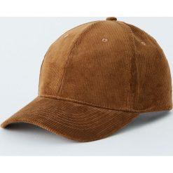 Brązowa sztruksowa czapka. Brązowe czapki z daszkiem męskie Pull&Bear, ze sztruksu. Za 59,90 zł.