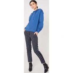 NA-KD Basic Bluza z kapturem basic - Blue. Różowe bluzy z kapturem damskie marki NA-KD Basic, prążkowane. Za 100,95 zł.