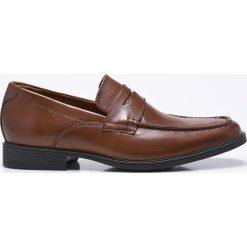 Clarks - Półbuty. Brązowe buty wizytowe męskie marki Clarks, z materiału. W wyprzedaży za 239,90 zł.
