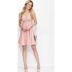 Sukienki: Różowa Sukienka Rozkloszowana z Kopertowym Dekoltem