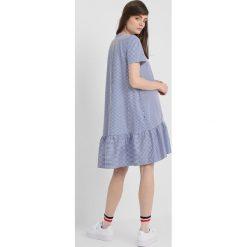 Baum und Pferdgarten ALBERTHINE Sukienka letnia classy. Niebieskie sukienki letnie marki Baum und Pferdgarten, z bawełny. W wyprzedaży za 799,00 zł.
