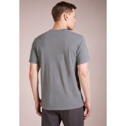 James Perse CREW LIGHTWEIGHT Tshirt basic grey. Szare t-shirty męskie James Perse, m, z bawełny. Za 379,00 zł.