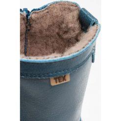Bisgaard Kozaki petrolio. Niebieskie buty zimowe damskie marki Roxy, z tworzywa sztucznego, na wysokim obcasie. W wyprzedaży za 370,30 zł.