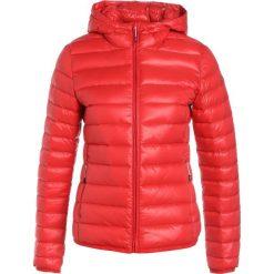 Icepeak THEA Kurtka puchowa rot. Czerwone kurtki damskie puchowe marki Icepeak, z materiału. W wyprzedaży za 279,30 zł.