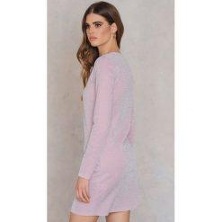Sukienki: NA-KD Party Brokatowa sukienka z okrągłym dekoltem – Pink
