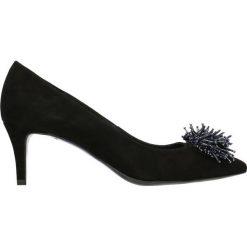 Czółenka RUMI. Czarne buty ślubne damskie Gino Rossi, ze skóry, na szpilce. Za 249,90 zł.