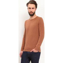 SWETER DŁUGI RĘKAW MĘSKI. Brązowe swetry klasyczne męskie Top Secret, m, z dzianiny, z golfem. Za 34,99 zł.