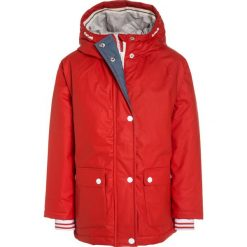 Next Parka red. Czerwone kurtki dziewczęce marki Reserved, z kapturem. W wyprzedaży za 209,30 zł.