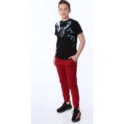 Chinosy chłopięce: Spodnie chłopięce z gumkami bordowe NDZ105