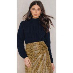 Swetry klasyczne damskie: Trendyol Sweter z szerokim dekoltem i chokerem – Navy