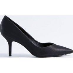 Czółenka na obcasie - Czarny. Czarne buty ślubne damskie marki Kazar, ze skóry, na niskim obcasie, na obcasie. Za 129,99 zł.