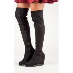 MUSZKIETERKI NA KOTURNIE. Czarne buty zimowe damskie Kayla, na koturnie. Za 99,99 zł.
