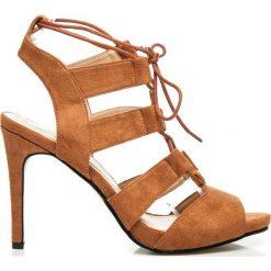 Szpilki: Aline – efektownie wiązane sandały szpilki