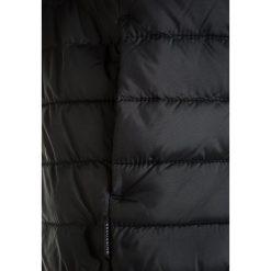 Quiksilver SCALY  Kurtka zimowa black. Czarne kurtki chłopięce zimowe marki Quiksilver, z materiału. W wyprzedaży za 223,20 zł.