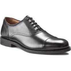 Półbuty CLARKS - Coling Boss 261193457 Black Leather. Czarne półbuty skórzane męskie Clarks. W wyprzedaży za 439,00 zł.