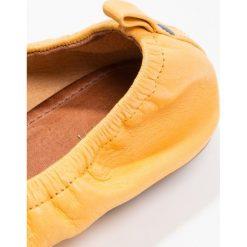Baleriny damskie lakierowane: KIOMI Baleriny yellow