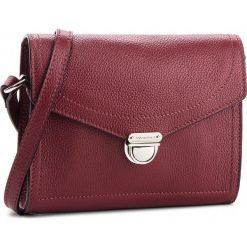 Torebka COCCINELLE - CV3 Mini Bag E5 CV3 55 H1 07 Grape R04. Czerwone listonoszki damskie Coccinelle, ze skóry. W wyprzedaży za 659,00 zł.