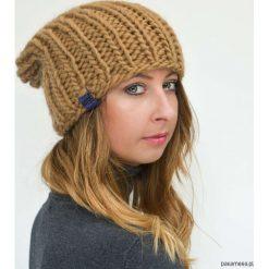 Czapki zimowe damskie: Brązowa czapka wełniana na drutach