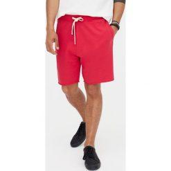 Kolorowe bermudy jogging basic. Czarne bermudy męskie marki Pull&Bear, m. Za 49,90 zł.