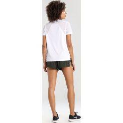 Nike Performance DRY MILER Tshirt basic white/reflective silver. Białe topy sportowe damskie marki Nike Performance, m, z materiału. Za 129,00 zł.