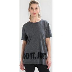Nike Performance DRY  Tshirt z nadrukiem black/white/heather. Czarne topy sportowe damskie marki Nike Performance, l, z materiału, outdoorowe. Za 129,00 zł.