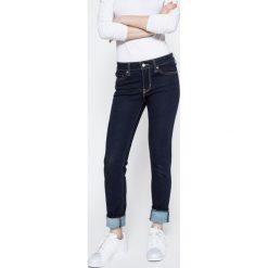 Levi's - Jeansy 711. Brązowe jeansy damskie rurki marki Levi's®. W wyprzedaży za 229,90 zł.