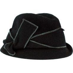 Kapelusz damski Asymetria czarny (cz14215). Czarne kapelusze damskie Art of Polo. Za 70,68 zł.