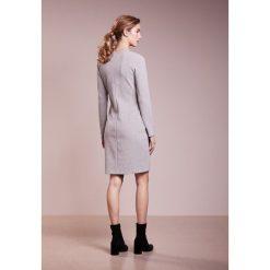 BOSS CASUAL Sukienka letnia medium grey. Szare sukienki letnie BOSS Casual, na co dzień, xs, z bawełny, casualowe. W wyprzedaży za 377,40 zł.