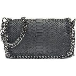 Torebki klasyczne damskie: Skórzana torebka w kolorze czarnym – 22 x 15 x 6 cm
