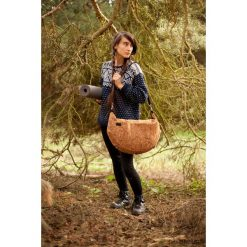 Huba Yoga Brown. Brązowe torby na ramię męskie marki Kazar, ze skóry, przez ramię, małe. Za 140,00 zł.