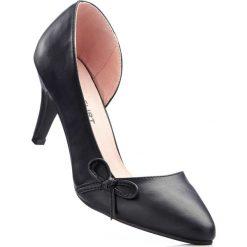 Czółenka bonprix czarny. Czarne buty ślubne damskie bonprix, na obcasie. Za 79,99 zł.